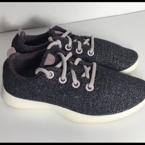 Allbirds wool lace up sneakers. Size 7.
